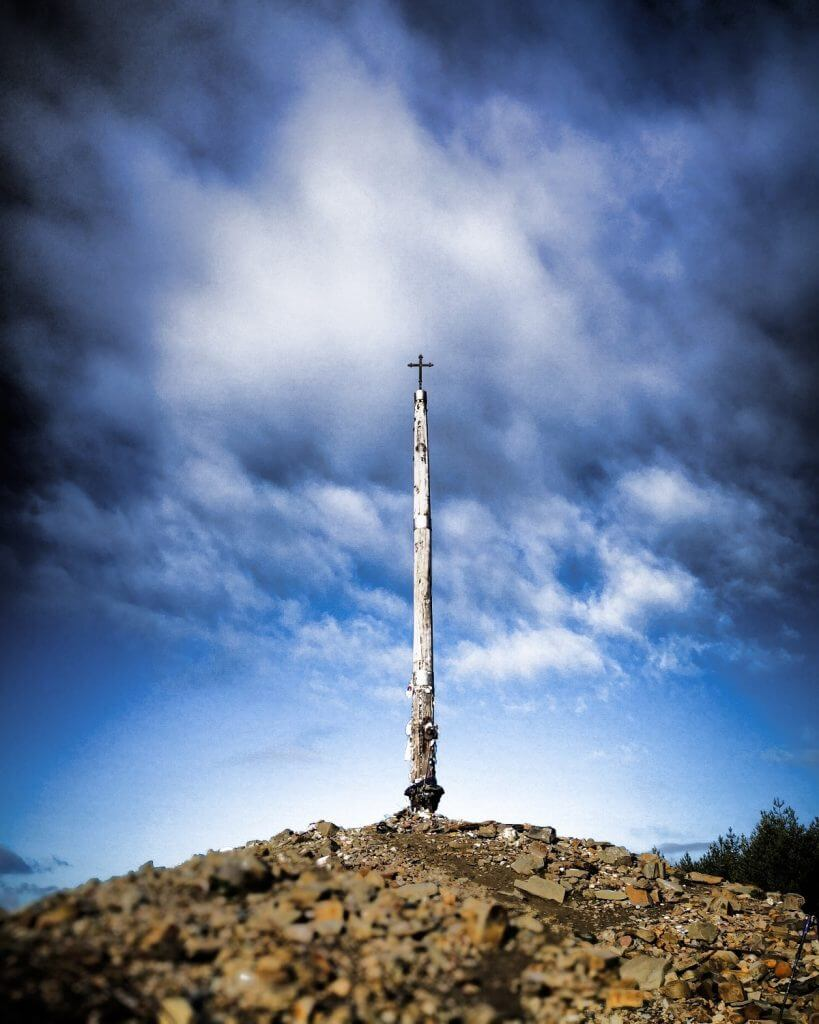 viaggiare-zaino-in-spalla-cammino-di-Santiago-cruz-de-hierro
