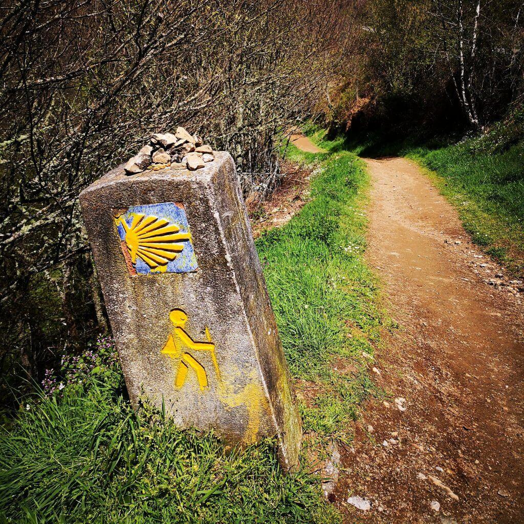 viaggiare-zaino-in-spalla-cammino-di-Santiago-segni