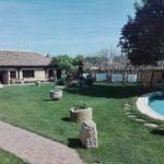 viaggiare-zaino-in-spalla-albergue-boadilla-del-camino-giardino