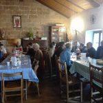 viaggiare-zaino-in-spalla-albergue-granon-cena-comunitaria