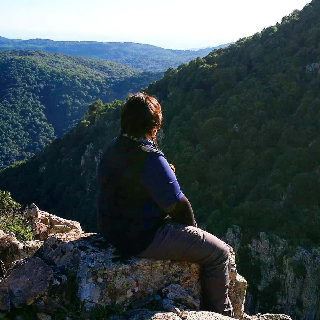 viaggiare-zaino-in-spalla-vista-del-monte-is-cannoneris