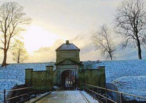 viaggiare-zaino-in-spalla-copenaghen-kastellet-con la neve-ingresso