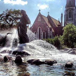 viaggiare-zaino-in-spalla-fontana-di-gefjun-e-st-albans-church