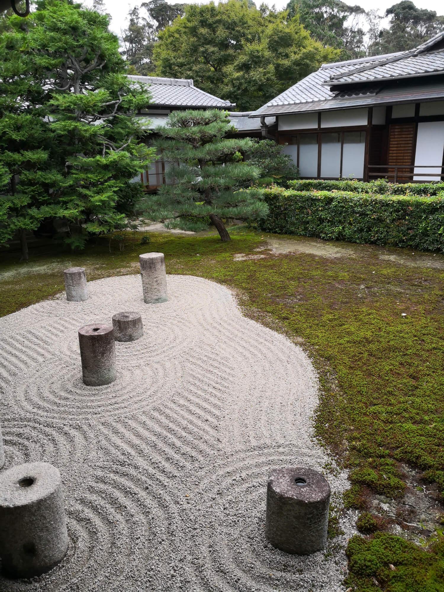 viaggiare-zaino-in-spalla-giardino-zen-giappone-kyoto