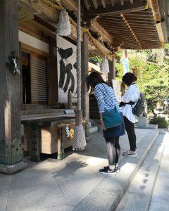 viaggiare-zaino-in-spalla-rituale-buddista
