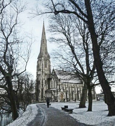 viaggiare-zaino-in-spalla-st-albans-church-copenaghen-neve