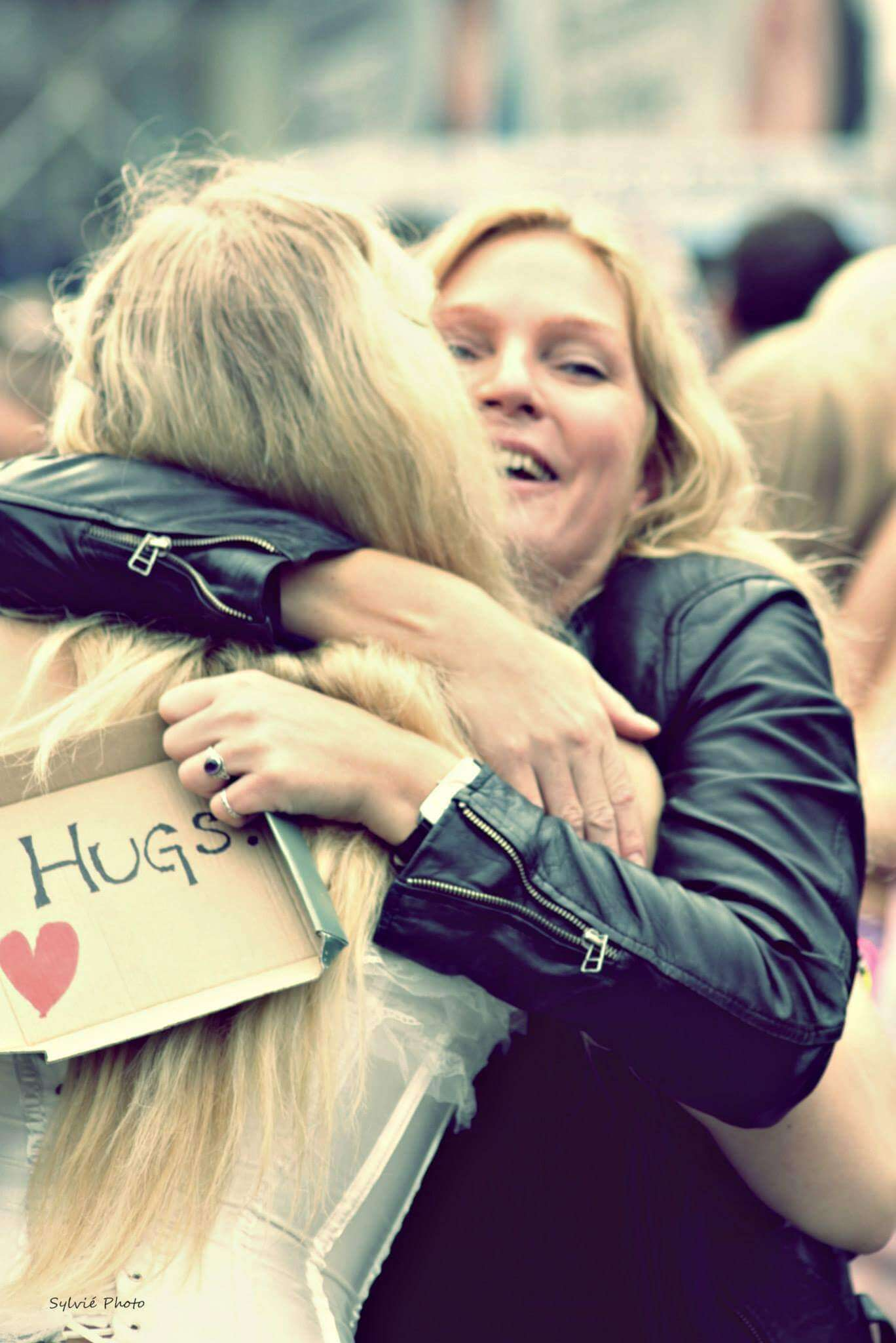 viaggiare-zaino-in-spalla-hugs