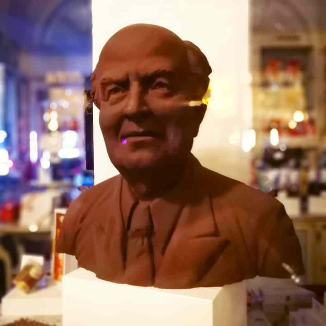 viaggiare-zaino-in-spalla-bruxelles-scultura-di-cioccolato