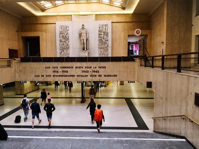 viaggiare-zaino-in-spalla-bruxelles-stazione