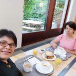 viaggiare-zaino-in-spalla-colazione-al-hostel-generation-europe