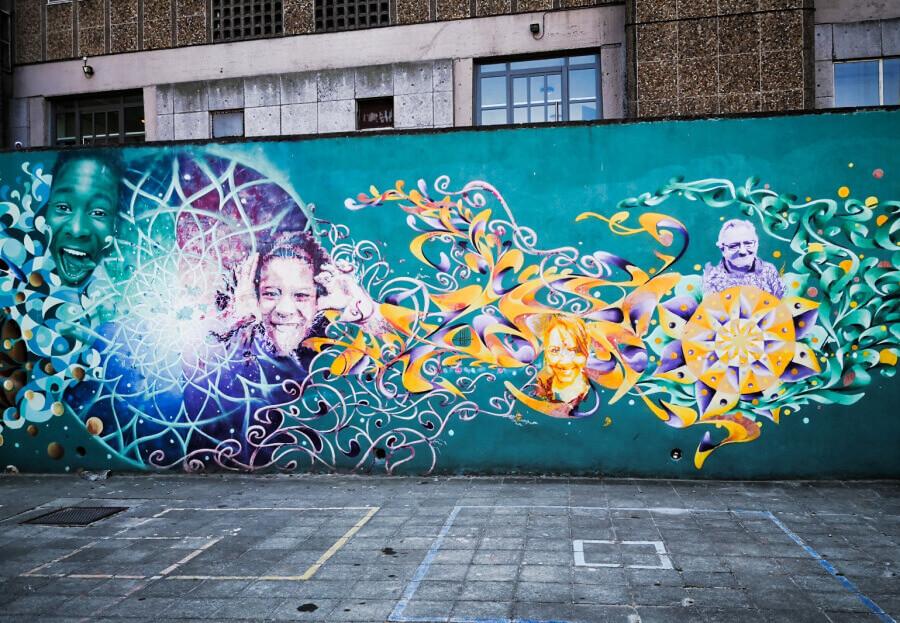 viaggiare-zaino-in-spalla-murales-street-art-bruxelles