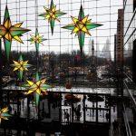 viaggiare-zaino-in-spalla-natale-a-new-york-atmosfera-natalizia-centro-commerciale