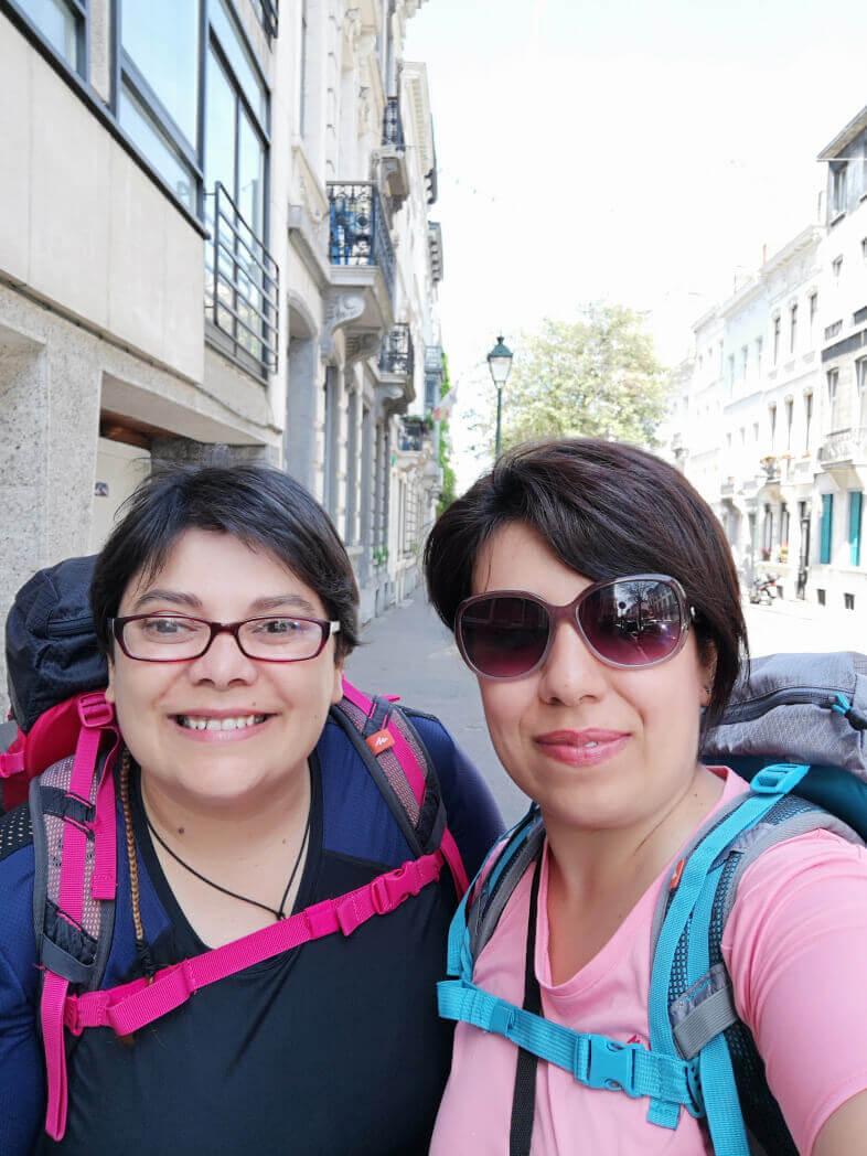 viaggiare-zaino-in-spalla-turiste-a-bruxelles