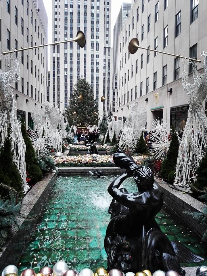 viaggiare-zaino-in-spalla-viaggio-a-new-york-rockefeller -center-fontana
