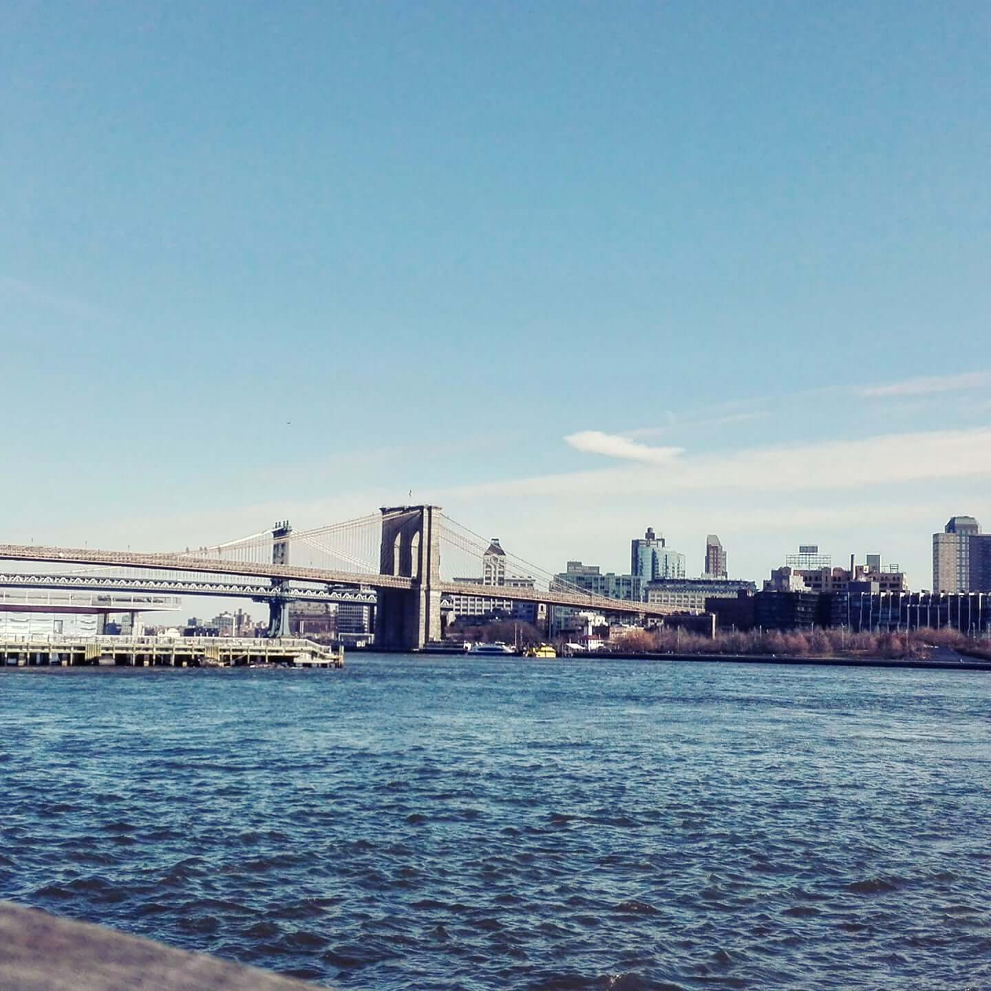 viaggiare-zaino-in-spalla-viaggio-a-new-york-skyline-ponte-brooklyn