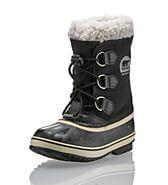 viaggiare-zaino-in-spalla-scarpe-neve-basse