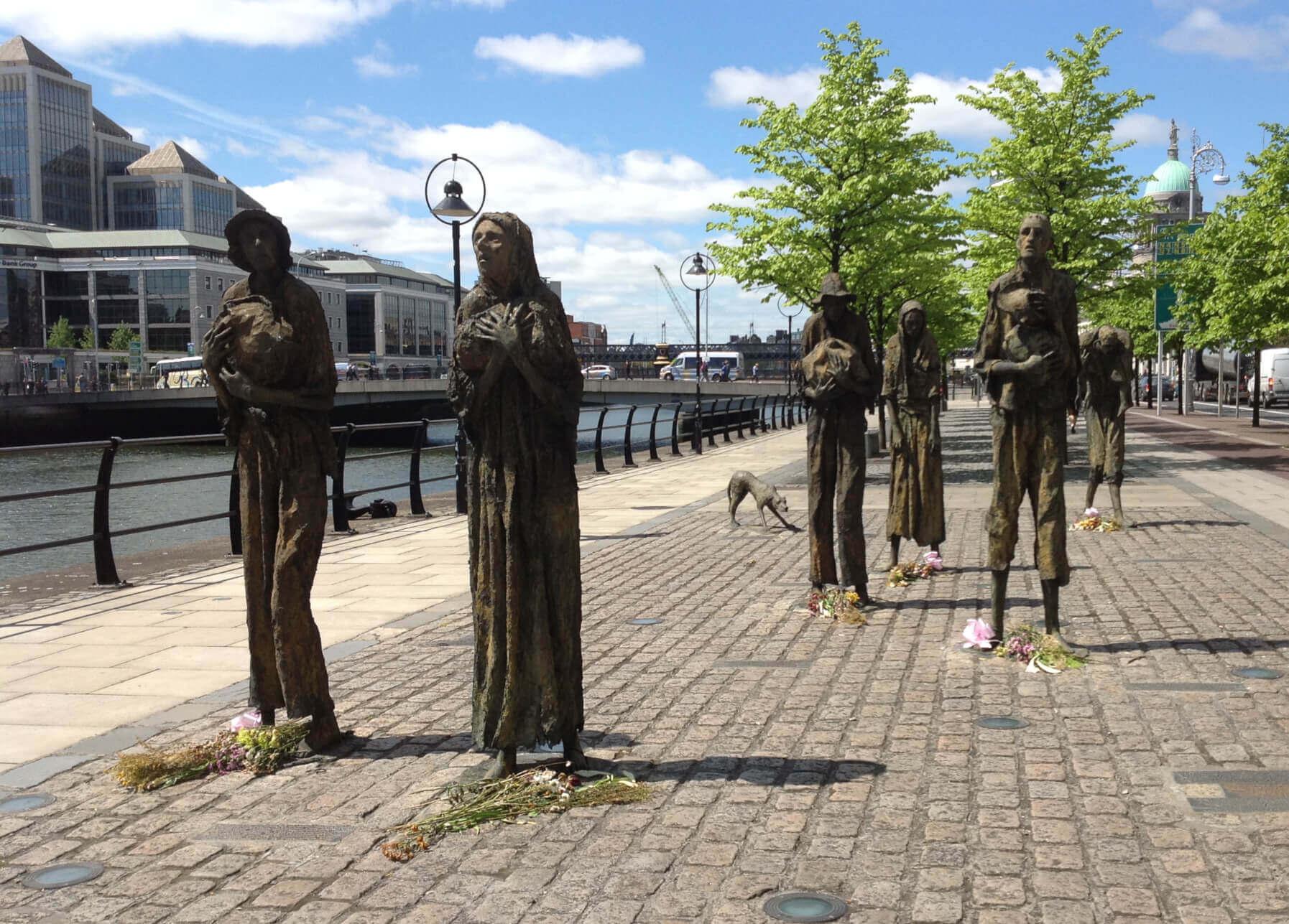 viaggiare-zaino-in-spalla-dublino-sculture