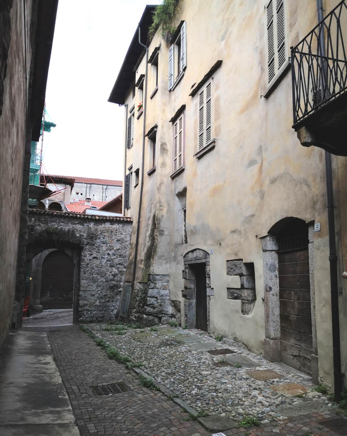 aggiare-zaino-in-spalla-borgo-di-breno-2