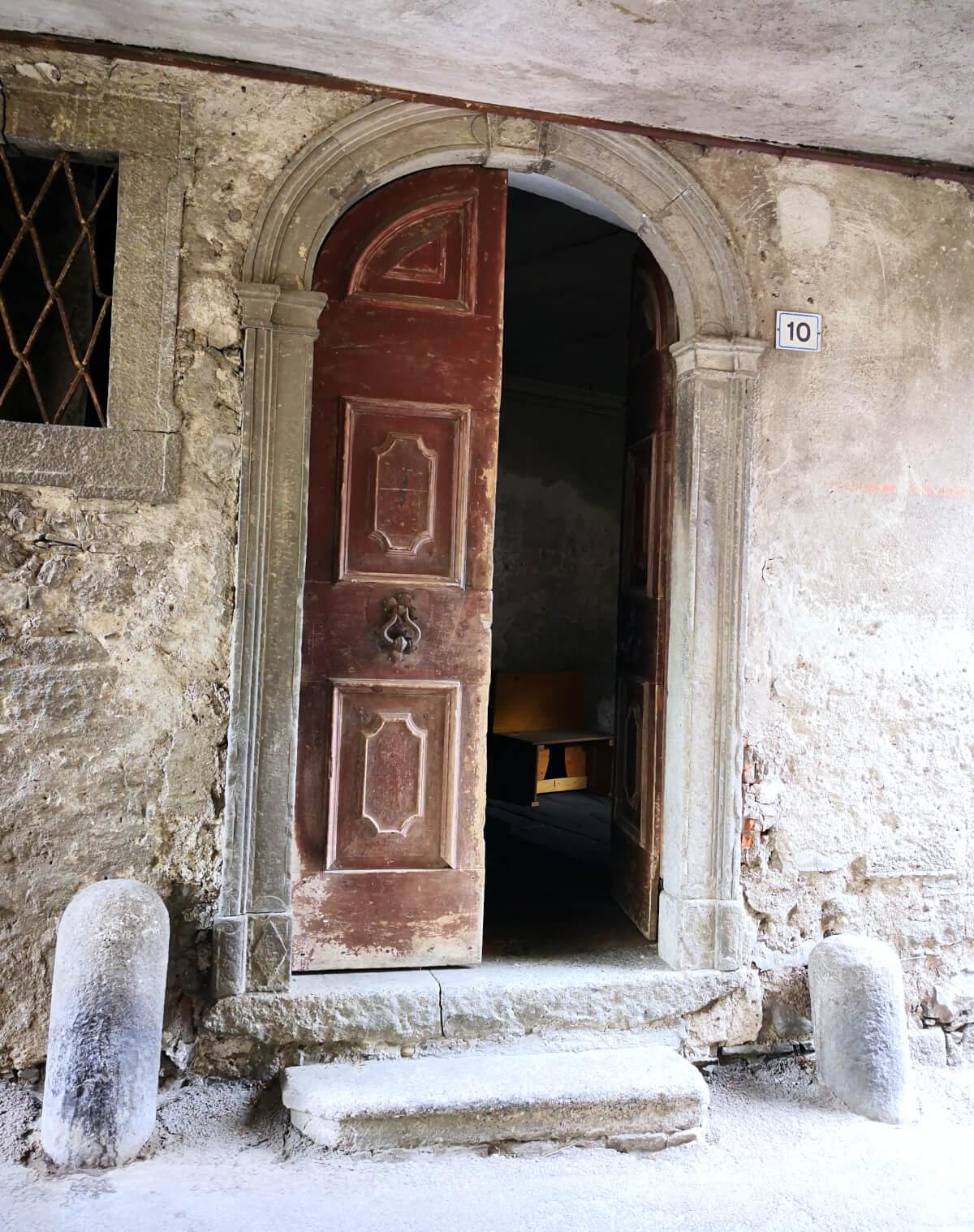 viaggiare-zaino-in-spalla-borgo-di-berzo-inferiore-1