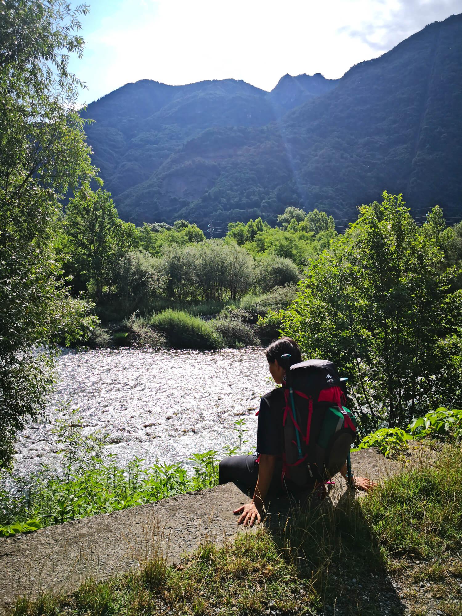 viaggiare-zaino-in-spalla-lungo-il-fiume-oglio