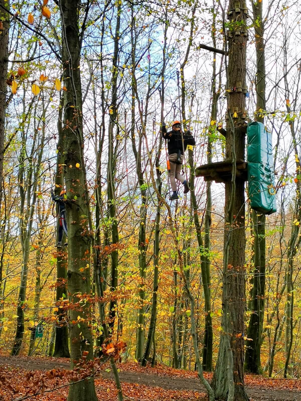 viaggiare-zaino-in-spalla-percorso-arrampicata-camp-adventure-danimarca-3