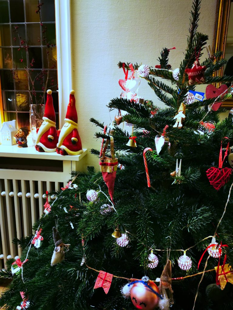albero di natale stile scandinavo in danimarca