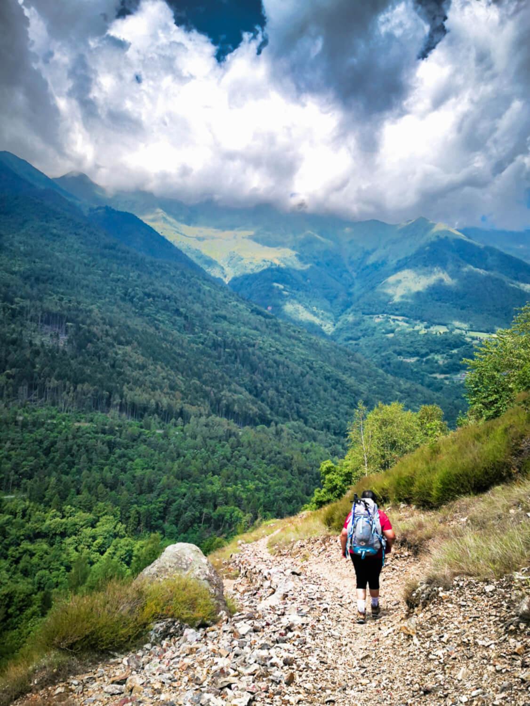 sentiero di montagna in valcamonica