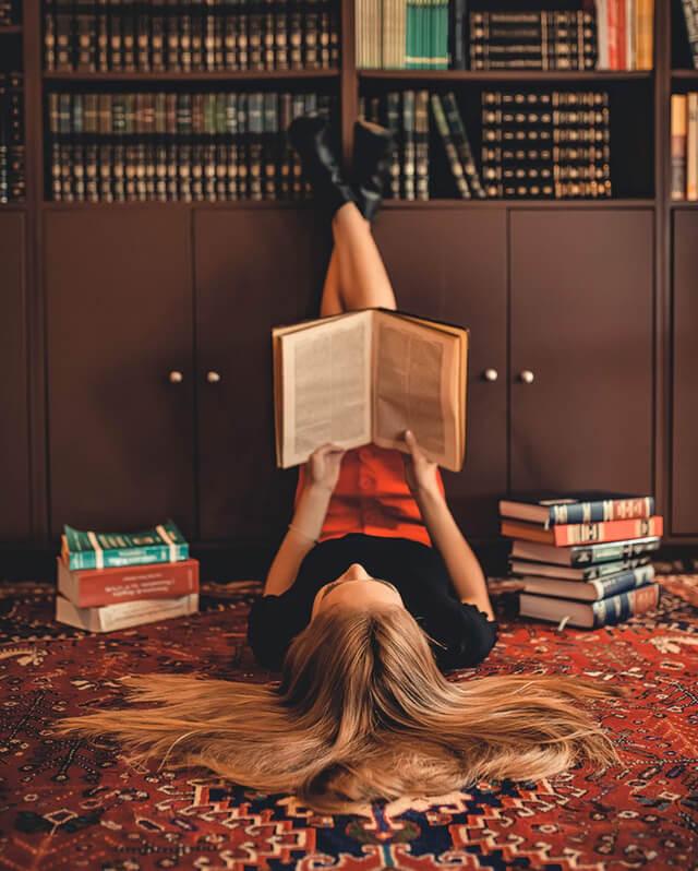 mettersia a leggere un libro