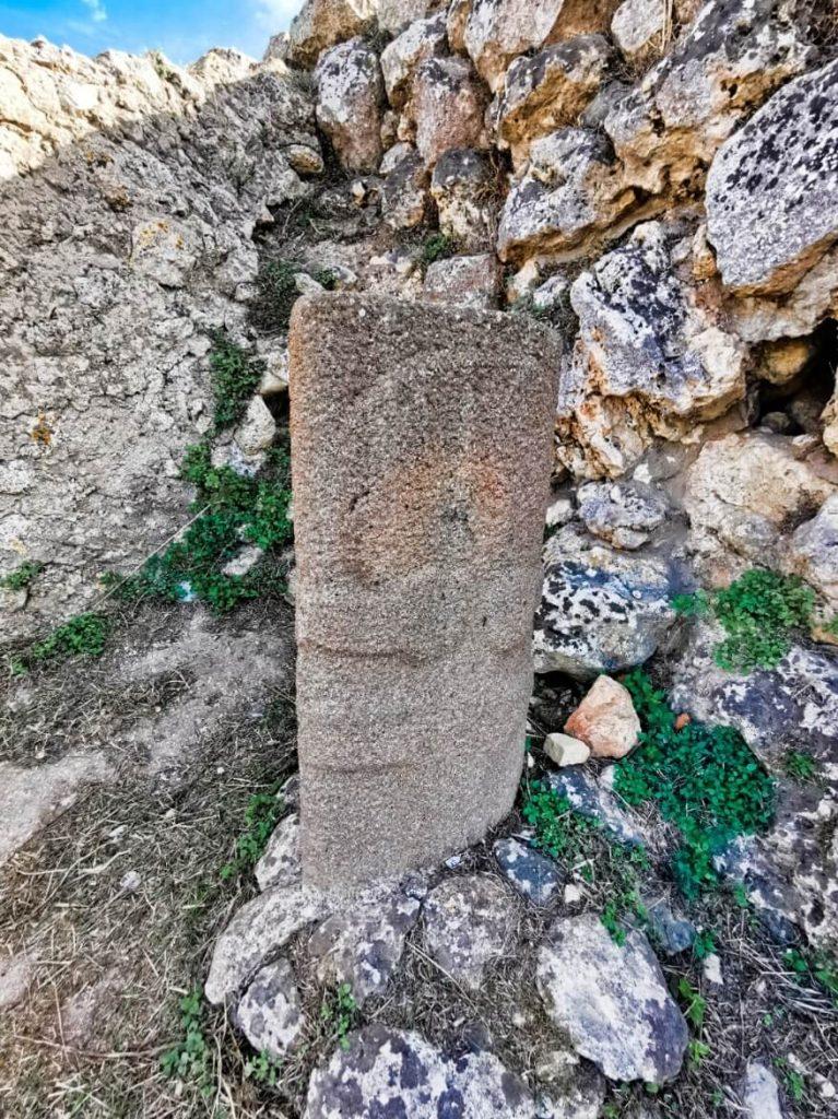 stele-antropomorfa